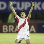 Bazalar dedicó gol contra Corea del Sur a afectados terremoto