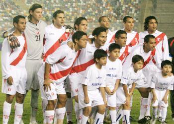 PERU SE ENFRENTA A CHILE EL 17 DE OCTUBRE