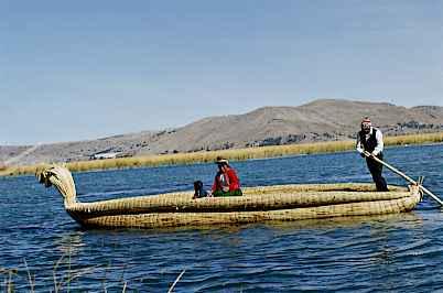 Perú y Bolivia postularán a lago Titicaca en concurso de maravillas naturales del mundo