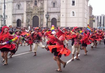 """Pasacalle """"Celebra Perú"""" .... HOY !!"""