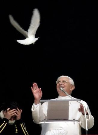 BENEDICTO XVI ENVIA CONDOLENCIAS AL PERU