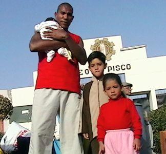 John Galliquio permanecerá en Pisco para ayudar a su familia