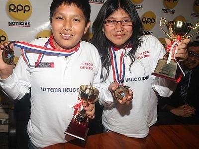 IPD premiará a los hermanos Cori campeones en el mundial escolar de ajedrez Singapur 2008
